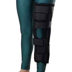 "Medline 22"" Deluxe Tri-Panel Knee Immobilizer - Immobilizer, Knee, 3 Panel, Dlx, 22"", Univ"