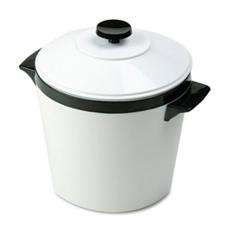 Hormel Three Quart Ice Bucket with Lid, White with Black Trim